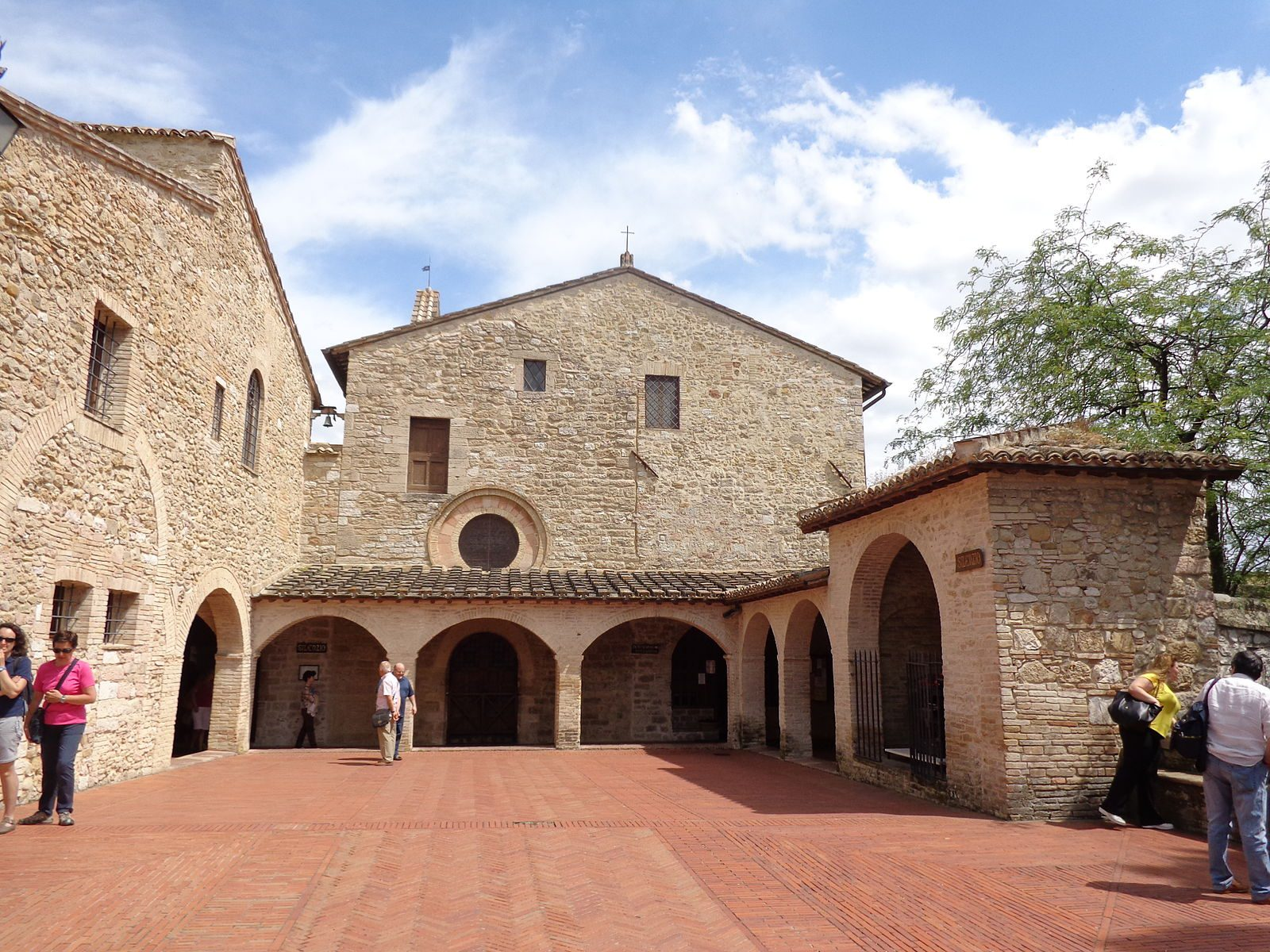 1600px-San_Damiano_(Assisi)_02